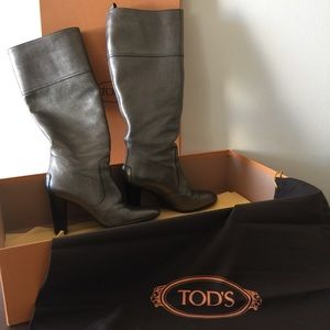 Tods Shoes - 💋HP💋Tod's Jodie Tube Boot metallic limited