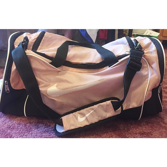 Nike Bags   Pink Duffle Bag Xl   Poshmark 214b1d2c15