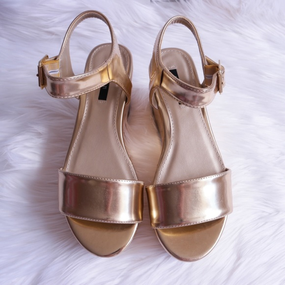 Forever 21 Metallic Gold Platform Sandals 82e410f0a6