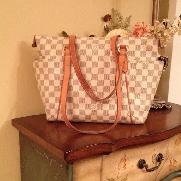 be015e2f01e9 Louis Vuitton Handbags - Louis Vuitton Totally PM Damier Azur