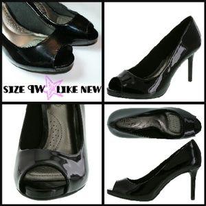 Gorgeous black peeptoe heels