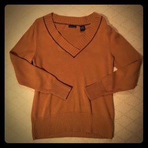Moda V-Neck Light Sweater