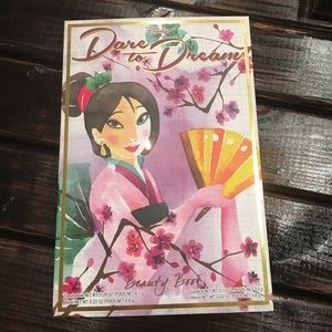Disney Dare To Dream Mulan Palette