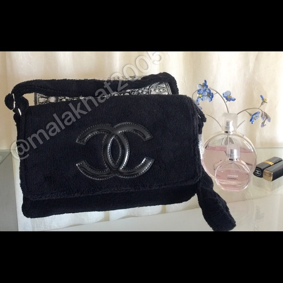 068d9972ba6a CHANEL Handbags - CHANEL VIP Gift Cross Body/ Shoulder COSMETIC Bag