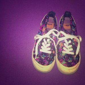 Rocket Dog Shoes - Paint splatter print sneakers 😍