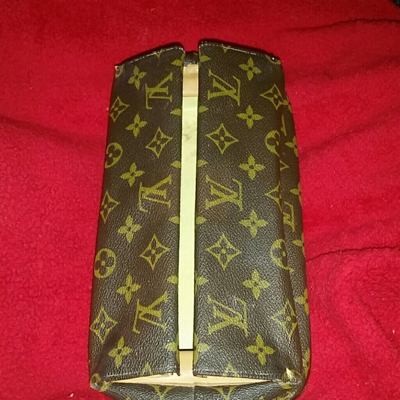 Louis Vuitton Handbags - Rare AuthenticVintage Louis VuittonCase Unisex