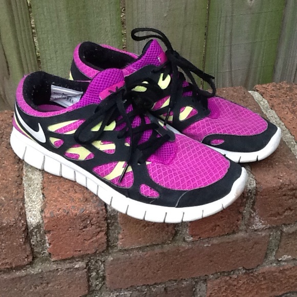nike tennis shoes bright colors