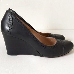 22f0fa20c44 Kelly   Katie Shoes - EUC Wedges Leather Black Closed Toe Kelly   Katie