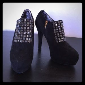 black jeweled 4.5 ankle booties size 6.5