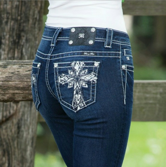 84e8529c057 Miss Me Carolina Cross boot cut jeans. M 56e4614a6d64bc474301fae6