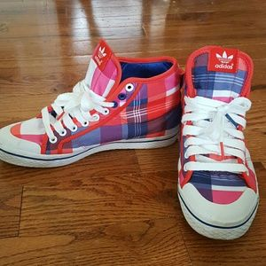 Shoes - High top adidas