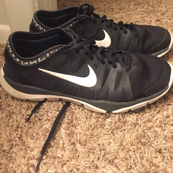 green and black nike basketball shoes nike training tr3