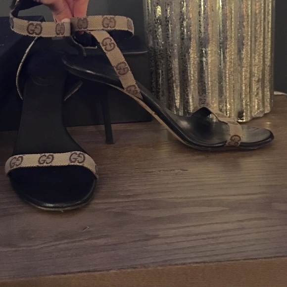 abc2de990437d Gucci monogram heels