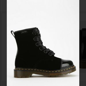 ISO dr martens Gracie boots