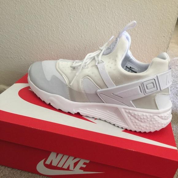 sports shoes c1f8c e78ad Nike Air Huarache Utility Premium White. M 56e4c4af2de512fbfb029c3c
