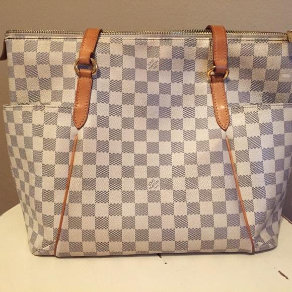 811eb95ebe55 Louis Vuitton Handbags - Louis Vuitton Totally MM Damier Azur