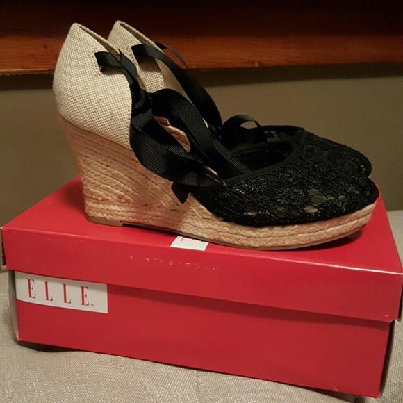 147871b08eca22 Elle Shoes - Elle Lace Tie String Wedges