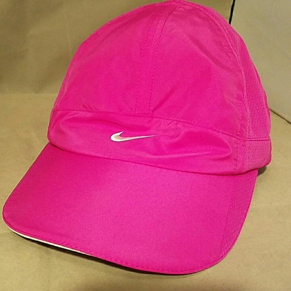 big sale 973c0 7daae NIKE Hot Pink FIT DRY Running Ball Cap Hat. M 56e4e943bf6df55bcd02f22f