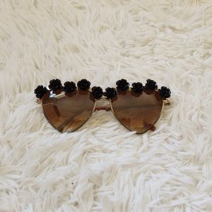Black rose framed sunglasses