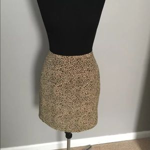 Allison Taylor Dresses & Skirts - Allison Taylor Silk Leopard Mini Skirt! Excellent!