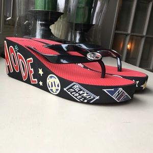 997de39b1 Brighton Shoes - Brighton Glam - black red flip-flops size 8 new