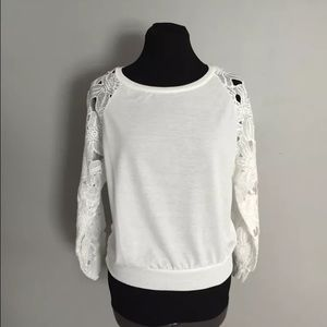 Lightweight White Knit Top with Lace Sleeves