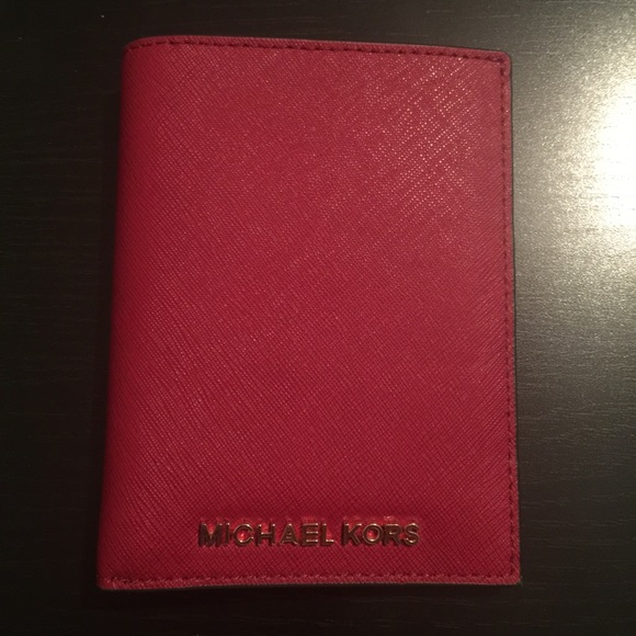 99fdf77912ae Michael Kors Accessories | Nwt Jet Set Saffiano Passport Holder ...
