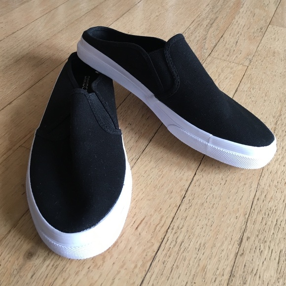 33 h m shoes h and m black slip on sneakers never