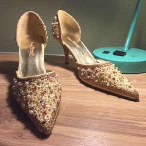Vintage Pearl Beaded Gold Heels