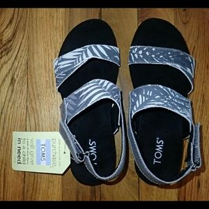37afb5e780d TOMS Shoes - Toms Palms Print Suede Tierra Sandals Size 6 - New
