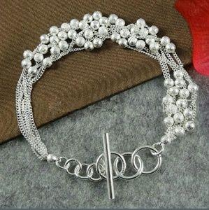 Jewelry - B2G1🆓️ Elegant silver stranded beaded bracelet