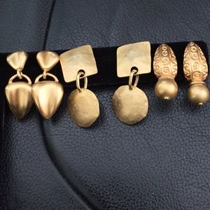 Accessories - 3 pairs of bushed gold pierced earrings