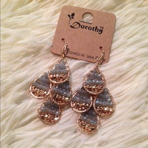 Jewelry - Shinny Gold earrings