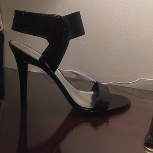 Guess black patent strappy heels