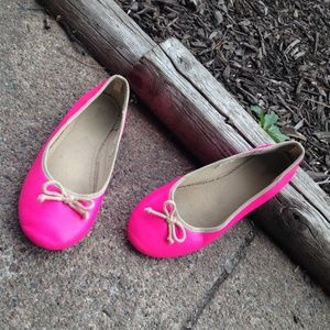Pink gap flats  Hp 6.17.16  final price