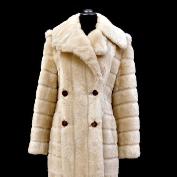 the latest amazing price get online Iconic Gucci by Tom Ford Faux Sable Fur Coat