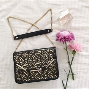 Hold | Floral Pattern Clutch/Crossbody