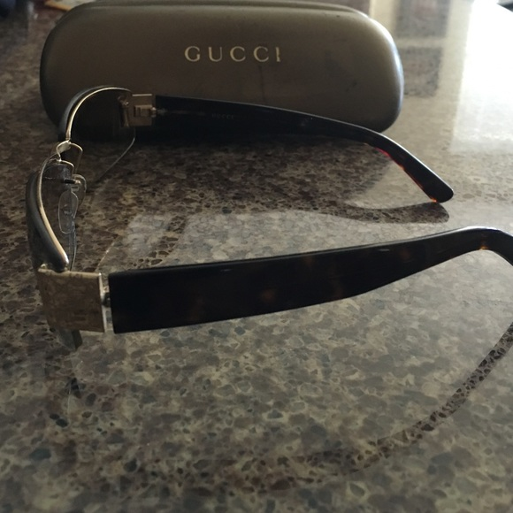55171882171 AUTHENTIC GUCCI SUNGLASSES WITH CASE