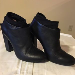 United Nude Square Heel Black Leather Booties