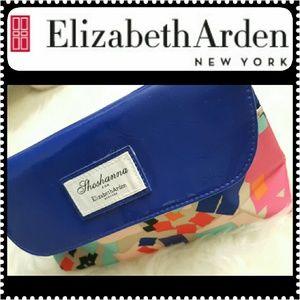 Elizabeth Arden Handbags - Elizabeth Arden Cosmetic Case