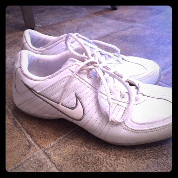 info pour 2e3e1 709e4 Nike NE Marque Pas
