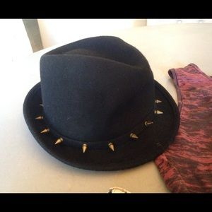 Deena & Oozzy Accessories - Black Wool Studded Hat New
