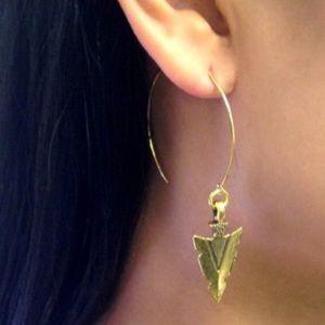Open Hoop Earrings With Arrowheads