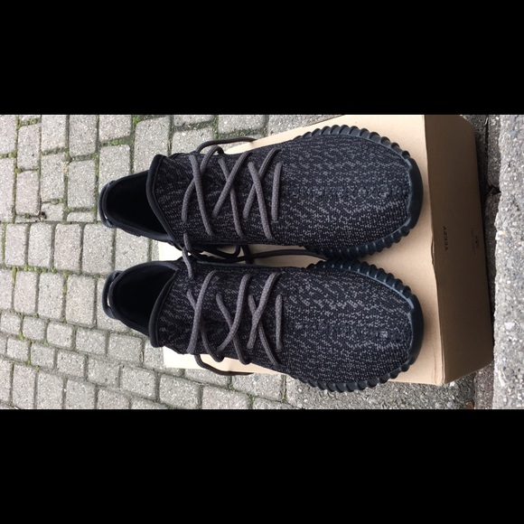Yeezy zapatos Authentic adidas Boost 350 negro tamaño 10 poshmark
