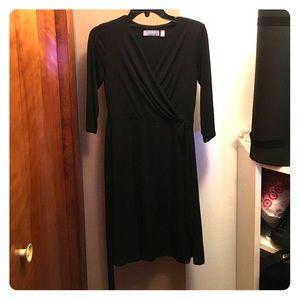 B slim black dress