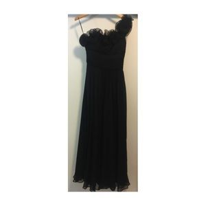 Jovani Dresses & Skirts - Beautiful black one sleeve gown!