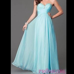 Dresses & Skirts - Strapless baby blue prom/pageant dress