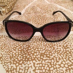 f3eb4b06fc26 Prada polarized sunglasses Prada - Prada polarized sunglasses from !  vicky s closet on Poshmark - 웹