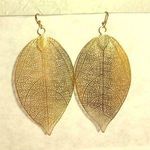 Farah Jewelry Jewelry - Gold Leaf Cut Out Dangle Earrings