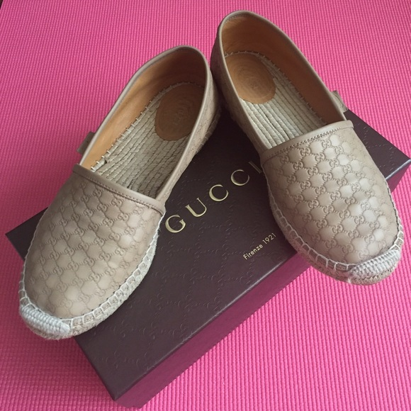 678c39b6b Gucci Shoes - Authentic Microguccissima Leather Espadrille